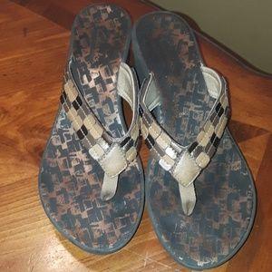 Clark's Brown Wedge Flip flop Sandler Size 8